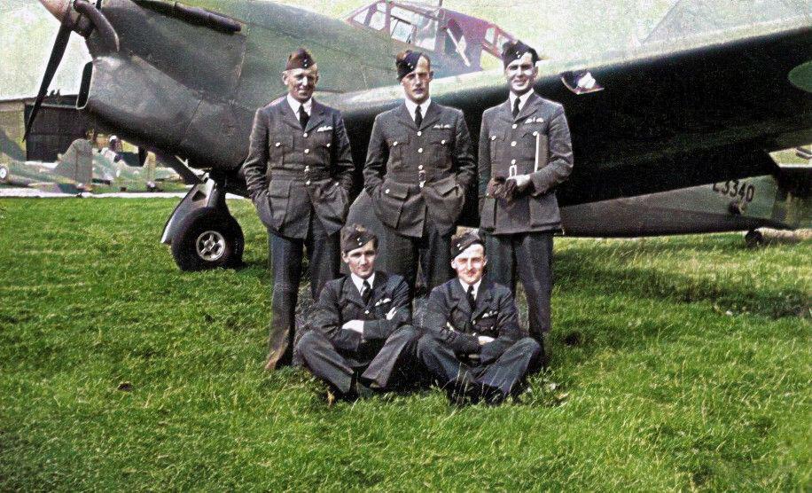 """B"""" Flight – No.1 A.O.S. (Air Observer School) 02/09/1939"""